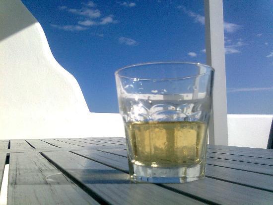 بورتو رافاييل: a cool drink at the balcony