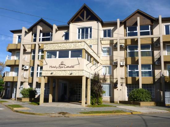 Canuelas, Argentina: FRENTE DEL HOTEL