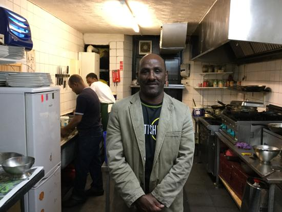 The Nile Valley Cafe: Proud owner and kitchen