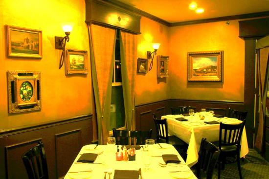 Glen Echo, MD: Dining Room