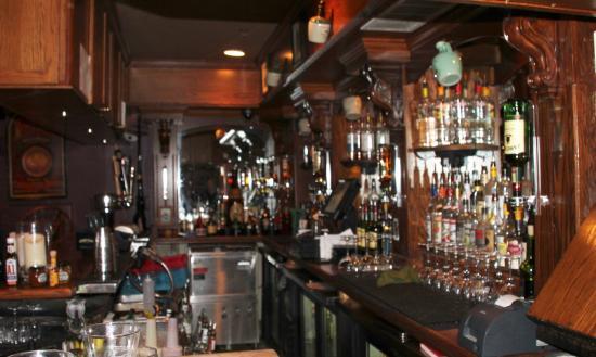 Glen Echo, MD: Bar in Pub Section