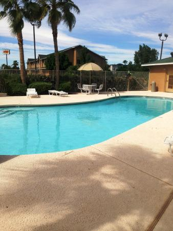 Oak Tree Inn - Yuma: Upgraded pool side