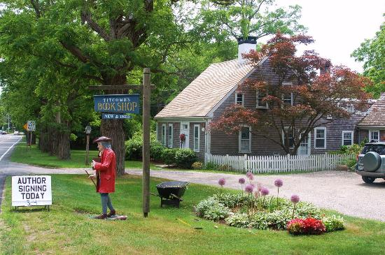 East Sandwich, MA: Titcomb's Bookshop