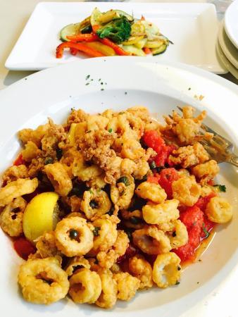 Fremont, NH: Calamari lemon - delicious appetizer!