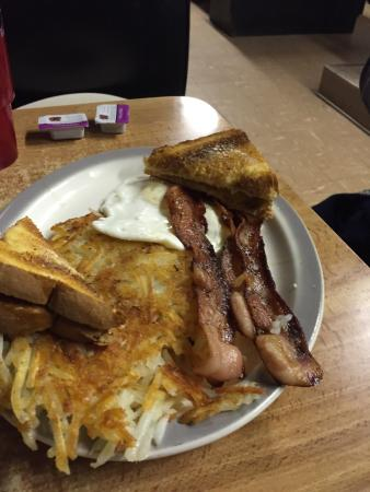 Mankato, KS: One great home-town cafe!  Great portions, good food at a great price!