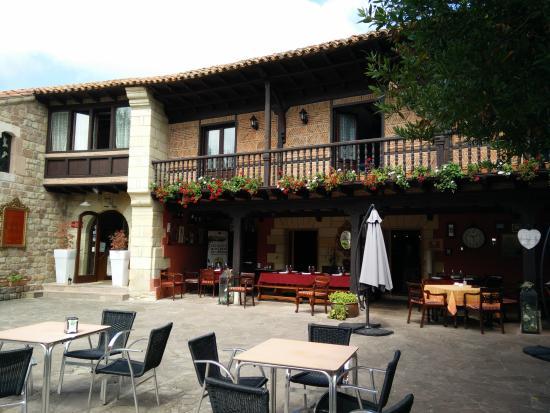Casona del valle hotel reocin spanien omd men - La casona del jardin ...
