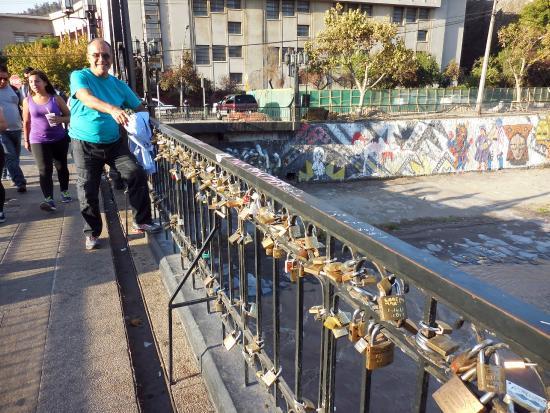 Puente Peatonal Condell