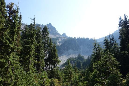 Snow Lake Trail: Snow Lake / Bench Lake Trail