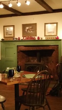 Leslie's The Tavern At Rockingham