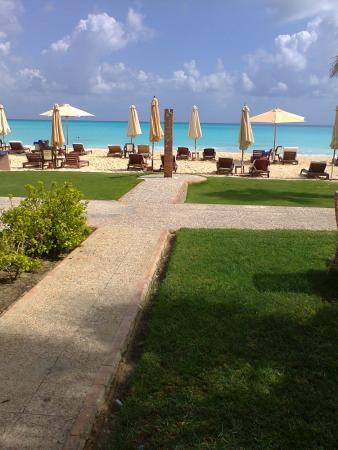 Sidi Abdel Rahman, Египет: Rooms are so close to the beach