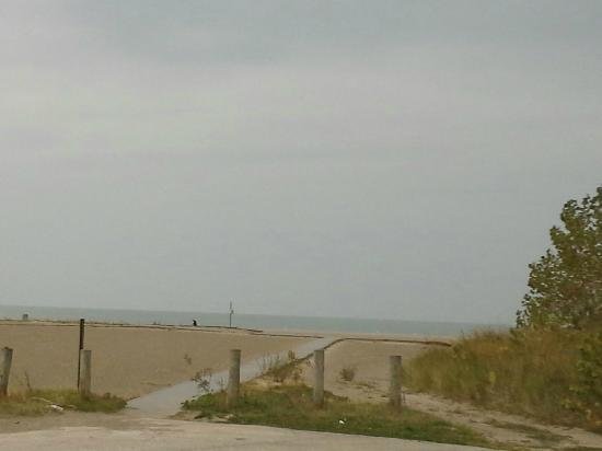 Walnut Beach: Beach access