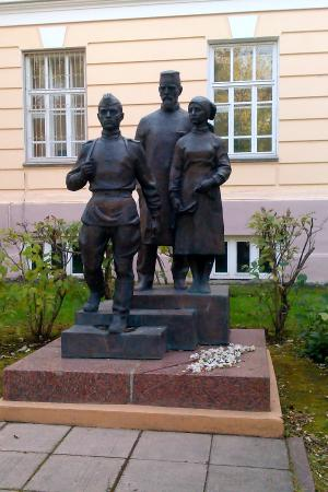 Памятник военным-медикам
