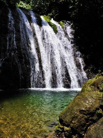 Golfito, Costa Rica: One of the many waterfalls