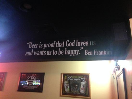 Raritan, Nueva Jersey: Sign by bar