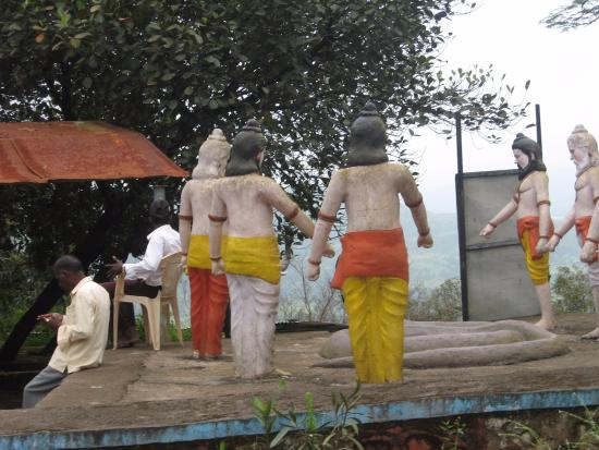Neelkantheshwar: Statues at Nilkantheshwar
