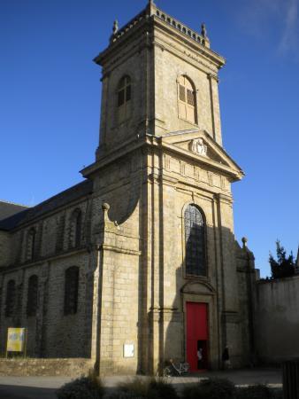 Saint-Gildas-de-Rhuys, France: façade du clocher-porche