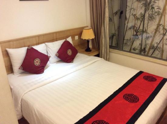 Hanoi Romance Hotel: ベッド