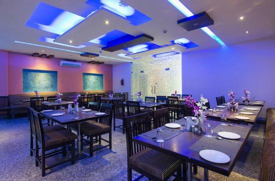 OYO 658 Hotel Seven Seas: Restaurant