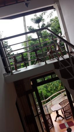 Vino Villa: Common Balcony