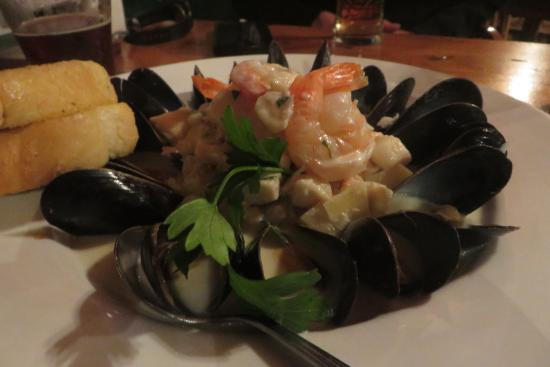 The Fo'c'sle : Admiral's Seafood Chowder