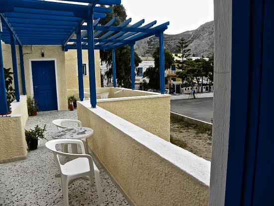 Hotel Dilino: Nun ein öffentlicher Platz als meine Terrasse . Ich weiß nicht