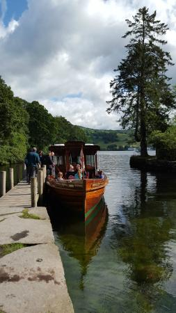 Bowness-on-Windermere, UK: The smaller boat