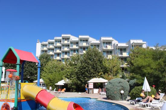 Piscine picture of hotel laguna beach albena tripadvisor for Piscine laguna tarif
