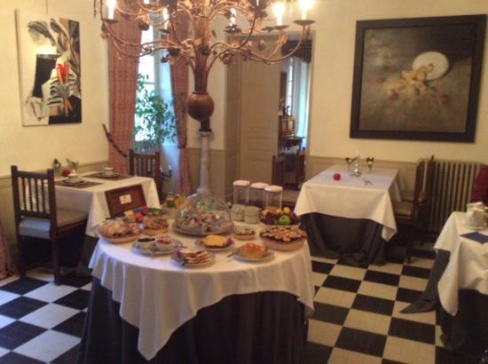 Saint-Affrique-les-Montagnes, Francia: Dining room and breakfast
