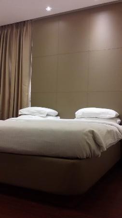 FabHotel Cabana GK1: Bed Turndown service in evening