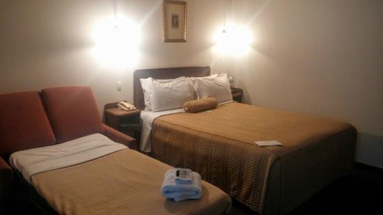 Adelaide Inn: Double Bed & Sofa Bed - Family Studio
