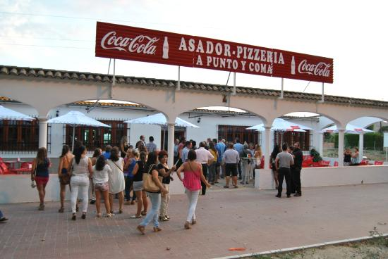 Asador Pizzeria A Punto Y Coma