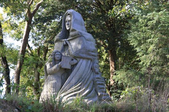Statu de granite - Picture of La Vallee des Saints, Carnoet ...