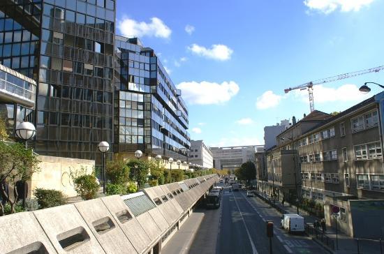 rue de bercy nouveau quartier picture of 12th arrondissement paris tripadvisor. Black Bedroom Furniture Sets. Home Design Ideas