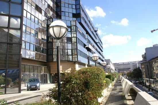 gare de lyon rue de bercy photo de 12 me arrondissement paris tripadvisor. Black Bedroom Furniture Sets. Home Design Ideas