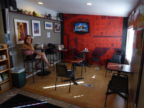 Beans Gourmet Coffee House: La belle consommatrice....