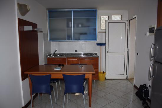 Verudela Beach & Villa Resort: soggiorno-pranzo