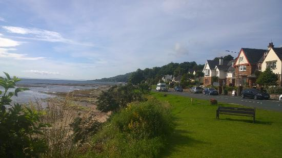 Whiting Bay, UK: View of hotel