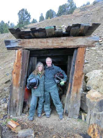 พาโนรามา, แคนาดา: The closed mine shaft at the cabin.