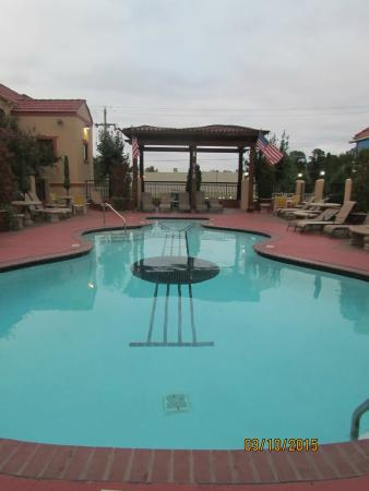 The Swimming Pool Picture Of Days Inn Memphis At Graceland Memphis Tripadvisor