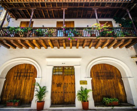 Alfiz hotel colonial facade