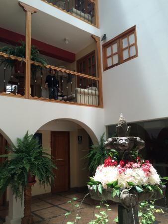 Anden Inca Hotel: vista desde el lobby del hotel