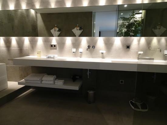 Salle de Bains - Picture of Hotel B Design & Spa, Paradou - TripAdvisor