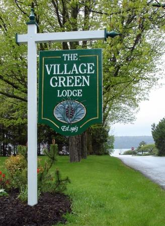‪Village Green Lodge‬