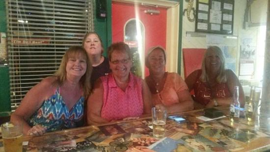 Island Pizza Restaurant: These ladies have been childhood friends for 30+ years. Vacationing in Sanibel.