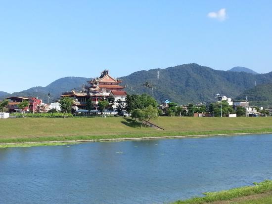 Dong Shan River Bikeway