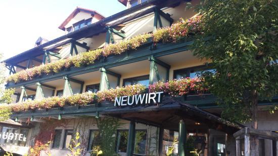 Hotel Gasthof Neuwirt: Vista da frente