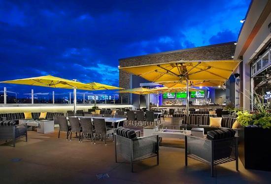 Rooftop terrace bar picture of topgolf centennial for Rooftop bar and terrace