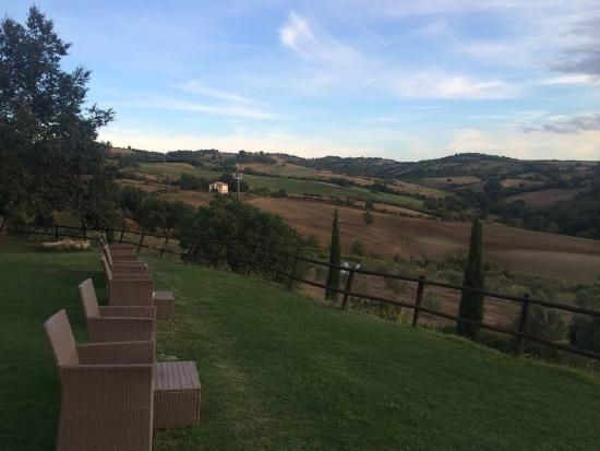 Quercia Rossa Farmhouse: Amazing stay! The best view, food, wine