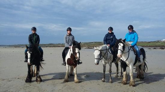 Cleggan Beach Riding Center - Horseback riding on the beach