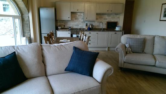 Tarset Holiday Cottages: The Byres has a fully equipped kitchen and a large lounge for relaxing together